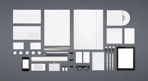 Efectos de escritorio en blanco/plantilla corporativa de la identificación Fotos de archivo