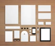 Efectos de escritorio en blanco y plantilla corporativa de la identificación Imágenes de archivo libres de regalías