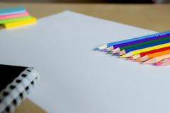 Efectos de escritorio en una hoja blanca Imagenes de archivo