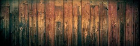Efeito resistido escuro do vintage de Cedar Wooden Background With Warm foto de stock