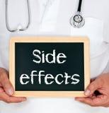 Efekty uboczni - Doktorski mienia chalkboard z tekstem Zdjęcia Stock