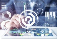 Effectenmakelaar die met financiële informatie werken stock illustratie