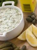 Effectuer la sauce tartare Image stock