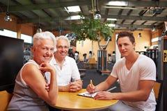 Effectuer un programme de santé physique Photos stock