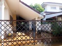 Effekt der globalen Erwärmung in der Stadt, niedriger Hochwasser in der städtischen Zone Lizenzfreie Stockfotografie