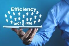 Effektivitetsförhöjning Utveckling och tillväxt äganderätt för home tangent för affärsidé som guld- ner skyen till arkivfoto