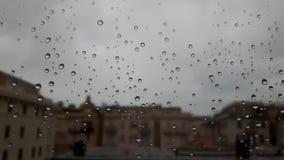 Effet étonnant de waterdrop au-dessus de la fenêtre photos stock