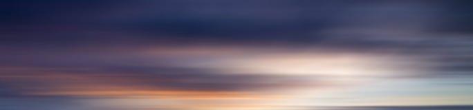 Effet coloré de tache floue de mouvement de coucher du soleil pour le fond Image stock
