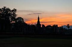 Effet de coucher du soleil et vieux temple Photos libres de droits