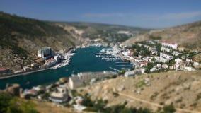 effet miniature d'Inclinaison-décalage de vue aérienne de baie de Balaklava, Ukraine clips vidéos