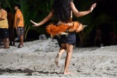 Effet polynésien de mouvement de danse polynésienne de danseur image libre de droits
