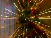 Effets abstraits de bourdonnement avec des lumières d'arbre de Noël Image libre de droits