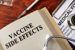 Effets secondaires vacciniques de titre image stock