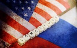 Effetto con i graffi sul Russo della foto e sulla bandiera degli S.U.A. Immagine Stock Libera da Diritti