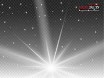 Effetto della luce di incandescenza Starburst con le scintille su fondo trasparente Illustrazione di vettore illustrazione di stock