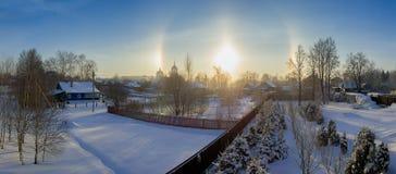 Effetto di alone del sole nella regione di Mosca, Russia Natura di inverno Fotografie Stock
