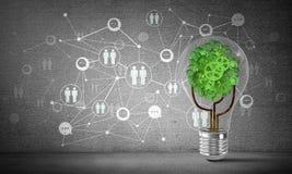 Efficiënte innovaties voor wereldecologie Stock Foto's