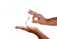 Effleurez, donnez un coup de pied, et quittez l'habitude de consommation du tabac Photos libres de droits