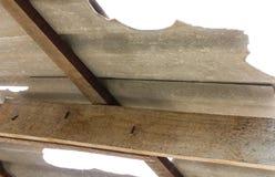 Effondrement de toit de tuile de toiture Photographie stock libre de droits