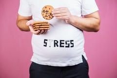 Effort, boulimie, manger avec excès compulsif, gain de poids photos libres de droits