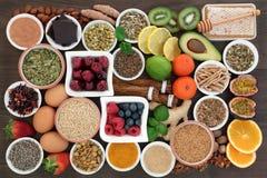 Effort et inquiétude soulageant des nourritures biologiques photos libres de droits
