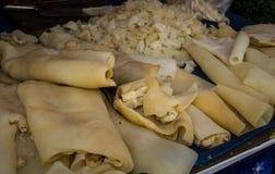 Effrayez la nourriture exotique Bogor rentré par photo Jakarta Indonésie de peau de viande Image stock