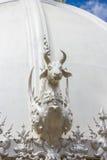 Effrayez la statue, temple de Rong Khun, Thaïlande photographie stock