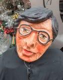 Efigie de Mache del papel lista para quemar en la medianoche para el ` s Eve del Año Nuevo Fotografía de archivo