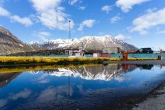 Efter regnet i Olafsfjordur Island royaltyfri foto