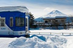 Efter Snowstrom Mt Fuji i vintern, Japan Royaltyfri Fotografi