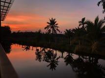 Efter solnedgång på reflexionen Arkivfoton