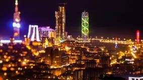 Efter solnedgång panorerar natttimelapseBatumi cityscape upp arkivfilmer