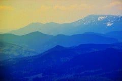 Efterföljd av olje- målning Bedöva landskap av en försiktig morgonsoluppgång på en varm sommarmorgon royaltyfri bild