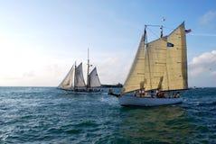 Eftermiddagen seglar av Key West, Florida Arkivfoto