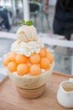 Efterrätt-, cantaloupmelonmelonglass eller Bingsu Royaltyfri Bild