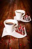 Efterrätt för julchokladkaka med granatäpplet och kaffe Royaltyfri Foto