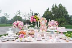 Efterrätt på bröllopet Arkivfoton