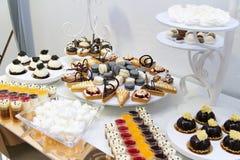 Efterrätter och kakor Royaltyfria Bilder