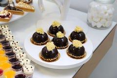 Efterrätter och kakor Royaltyfri Fotografi