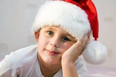 eftertänksamt santa barn Royaltyfri Fotografi