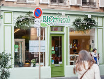 Egan-Restaurantfassade gemalt im Grün Lizenzfreie Stockbilder