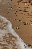 Egeïsch gebied, strand, vrede en golven stock afbeelding