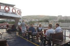 Egeïsch gebied - Tenedos-eiland, Bozcaada-Kasteel van veerboot Stock Afbeeldingen