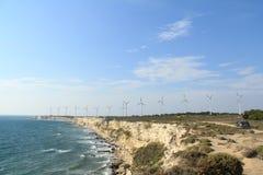 Egeïsch gebied - Tenedos-eiland, windturbines Stock Fotografie
