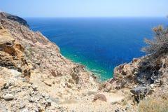 Egeïsche overzees op Santorini-eiland in Griekenland Stock Fotografie