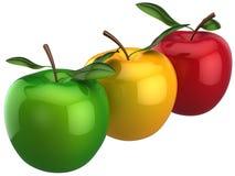 egenart res för färgrikt begrepp för äpplen hög Royaltyfri Bild