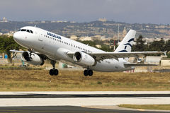 A320 egeos encendido sacan Fotos de archivo