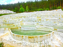 Egerszalok,匈牙利- 2017年5月05日:在Saliris手段的盐小山 免版税库存图片