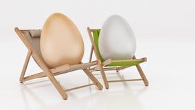 Egg с положением вниз на шезлонге лета на белой, абстрактной предпосылке для концепции праздника пасхи Стоковая Фотография
