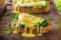 Egg benedict with spinach Royalty Free Stock Photos